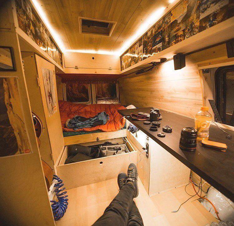 pingl par ben foufi sur camion am nager pinterest camion amenager caravane et am nagement. Black Bedroom Furniture Sets. Home Design Ideas