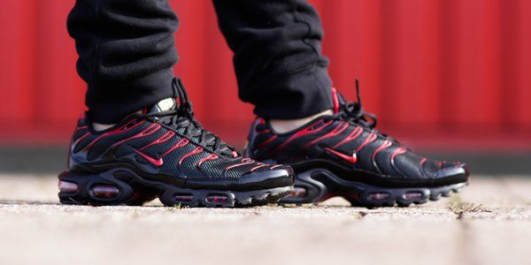 Nike tns plus ultra red and black   Nike   Nike, Shoes и Black 0243fc7db73
