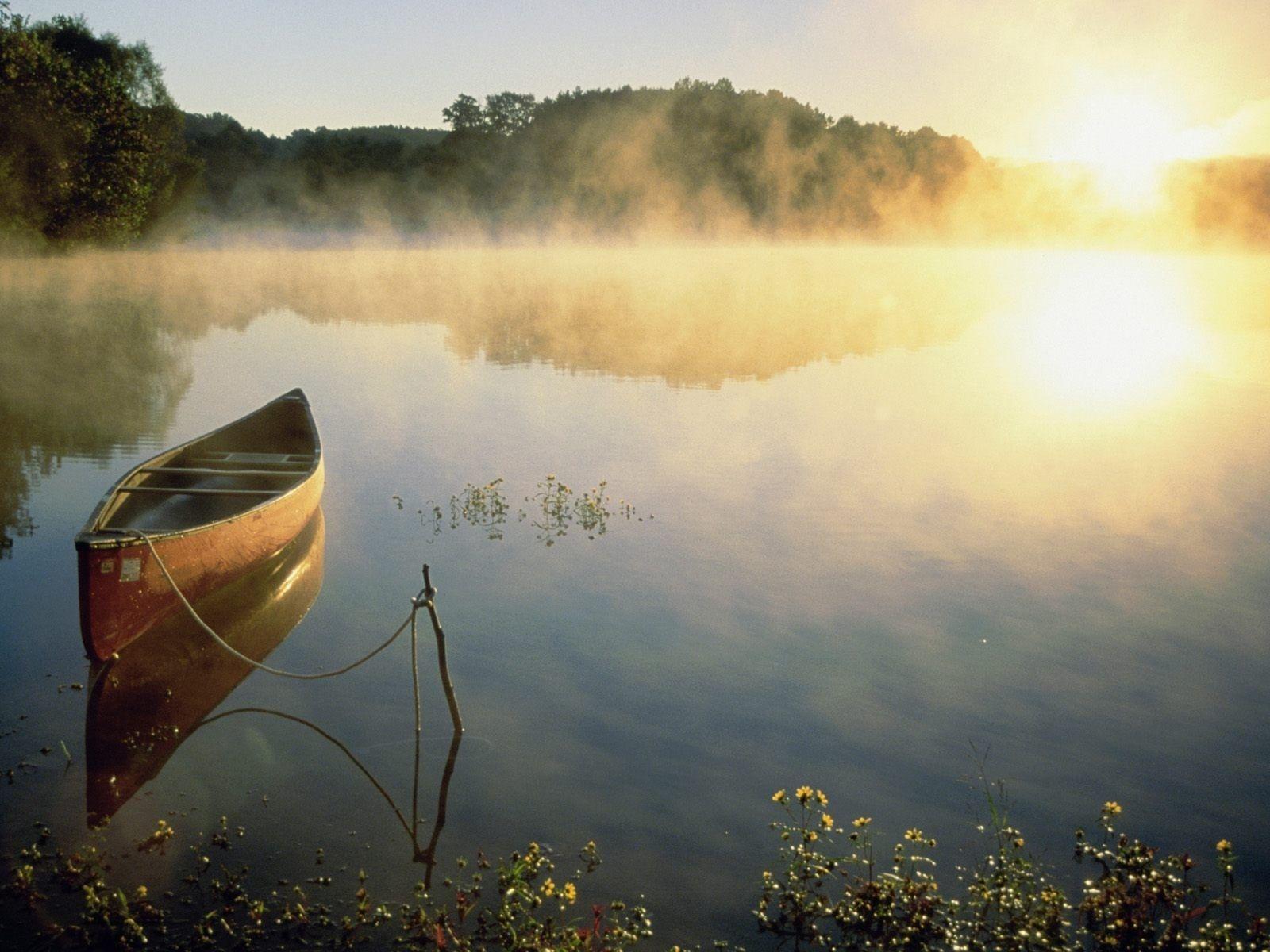Canoa en el lago   fotografias   Pinterest   Fotografía