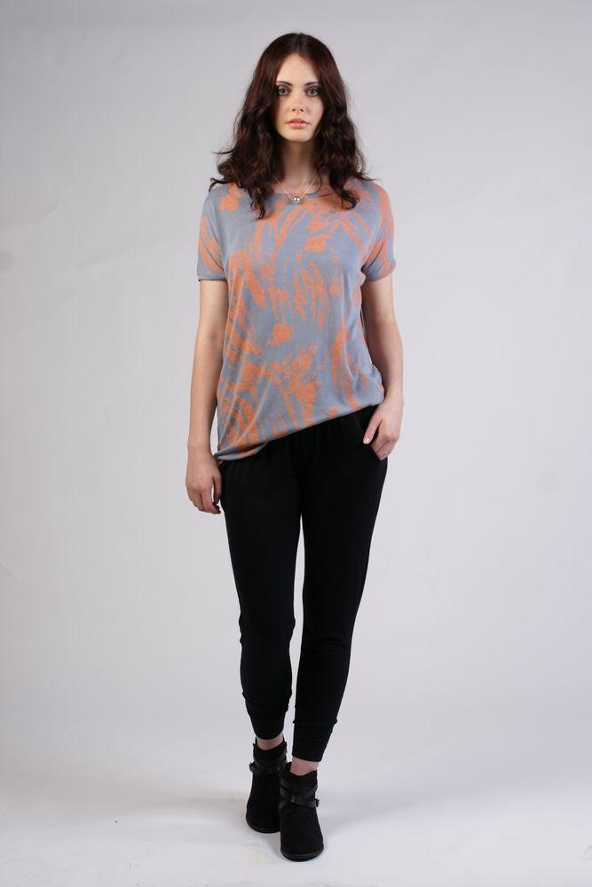Farrah T-shirt - pale blue/peach paint print