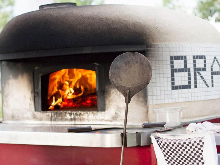 Stylish Ways to Serve Pizza at Your Wedding Wood fired pizza