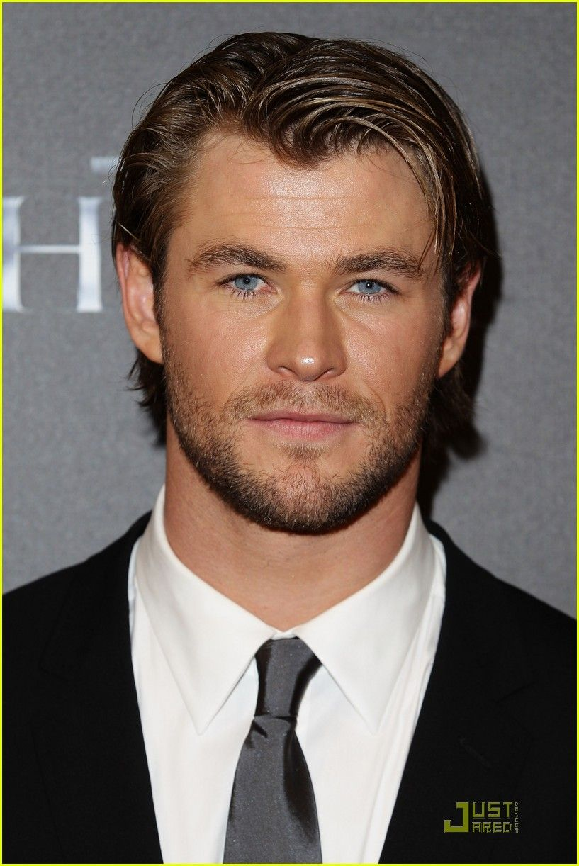 chris hemsworth <3 perfection  Google Image Result for http://cdn01.cdn.justjared.com/wp-content/uploads/2011/04/hemsworth-premiere/chris-hemsworth-thor-premiere-with-jaimie-alexander-02.jpg