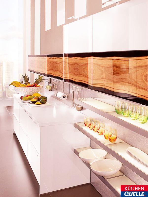 Unsere weiße Design-Küche Norina 9933 verbindet Glas und Holzoptik - küchen in holzoptik
