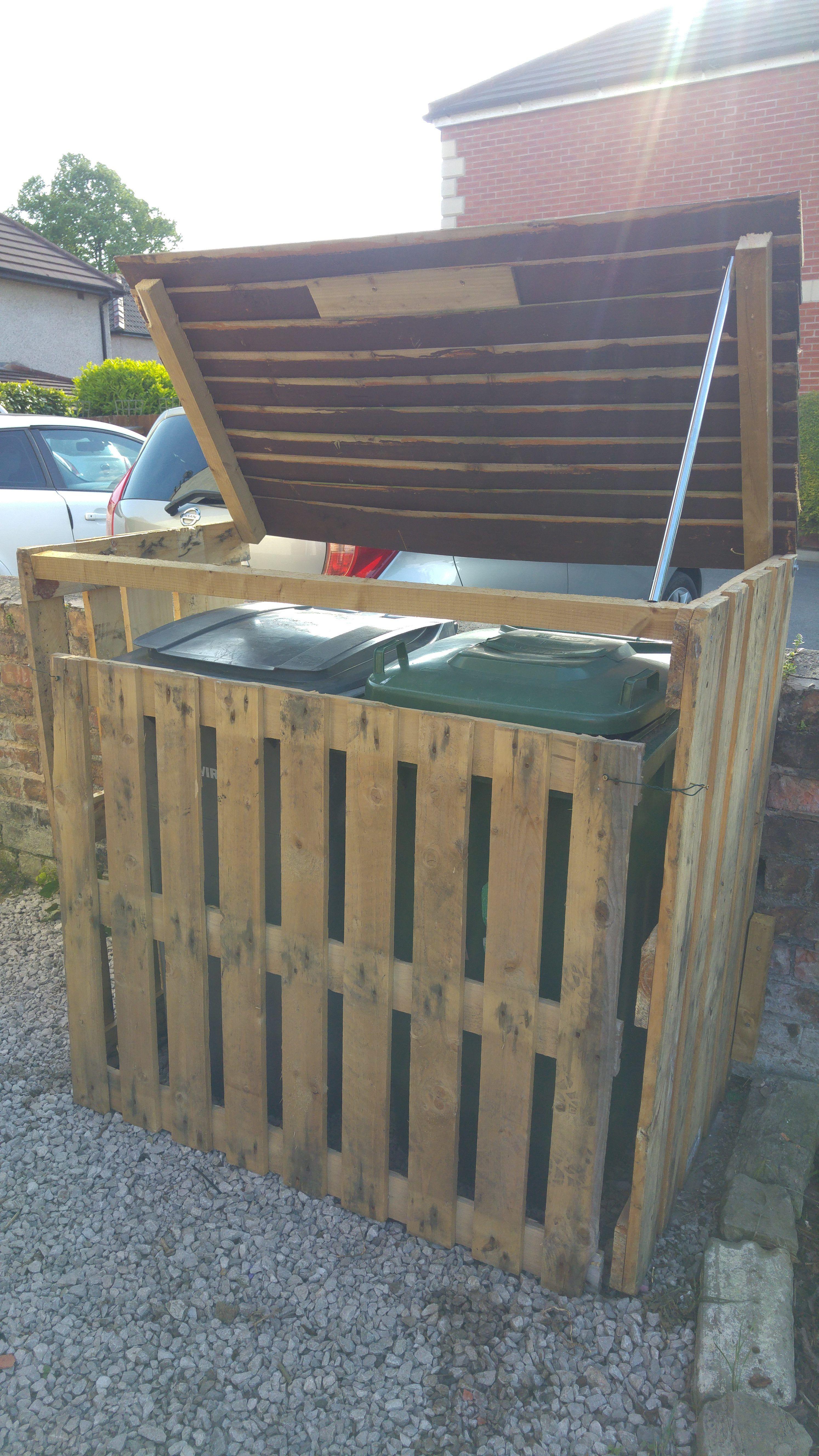 Pallet Garbage Bin Storage Shed
