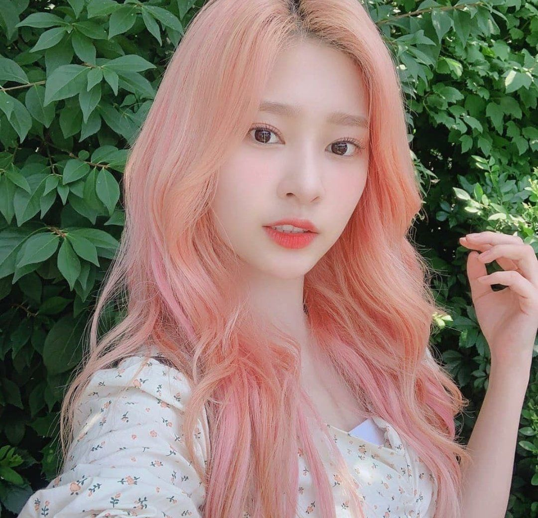 IZ*ONE GLOBAL on in 2019 Pink hair, Chaeyeon, Japanese