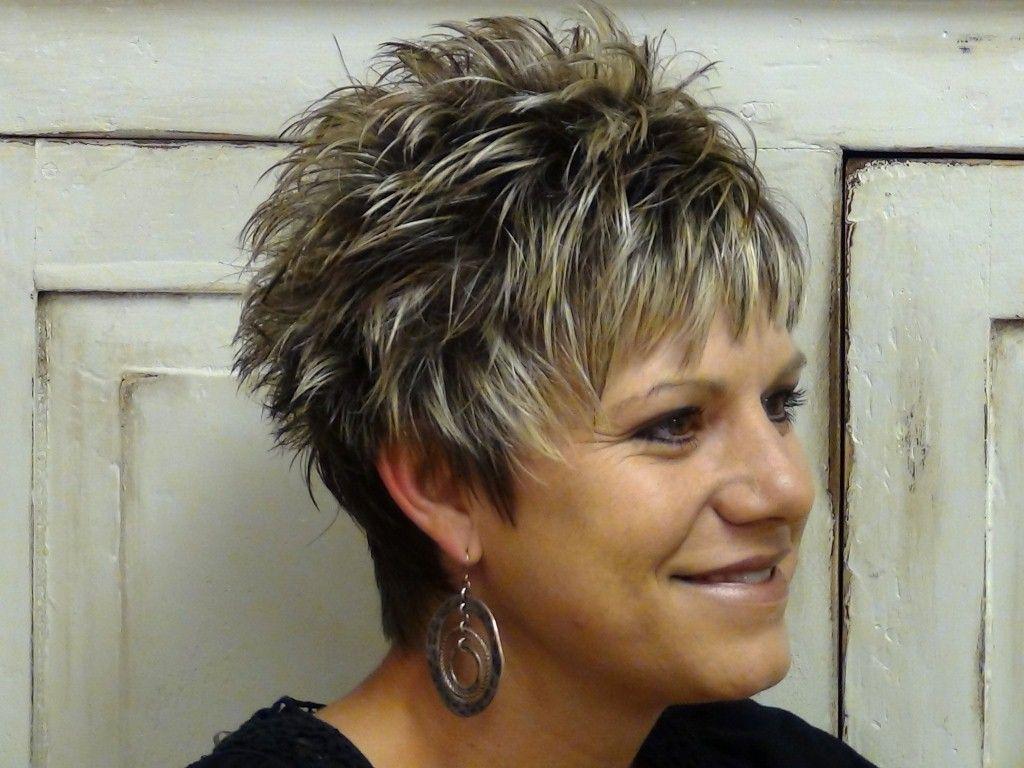 Hairstyles For Short Hair 60: Short Spiky Haircuts For Older Women