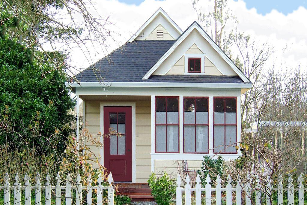 Tiny Craftsman Cottage Plan 400 sq
