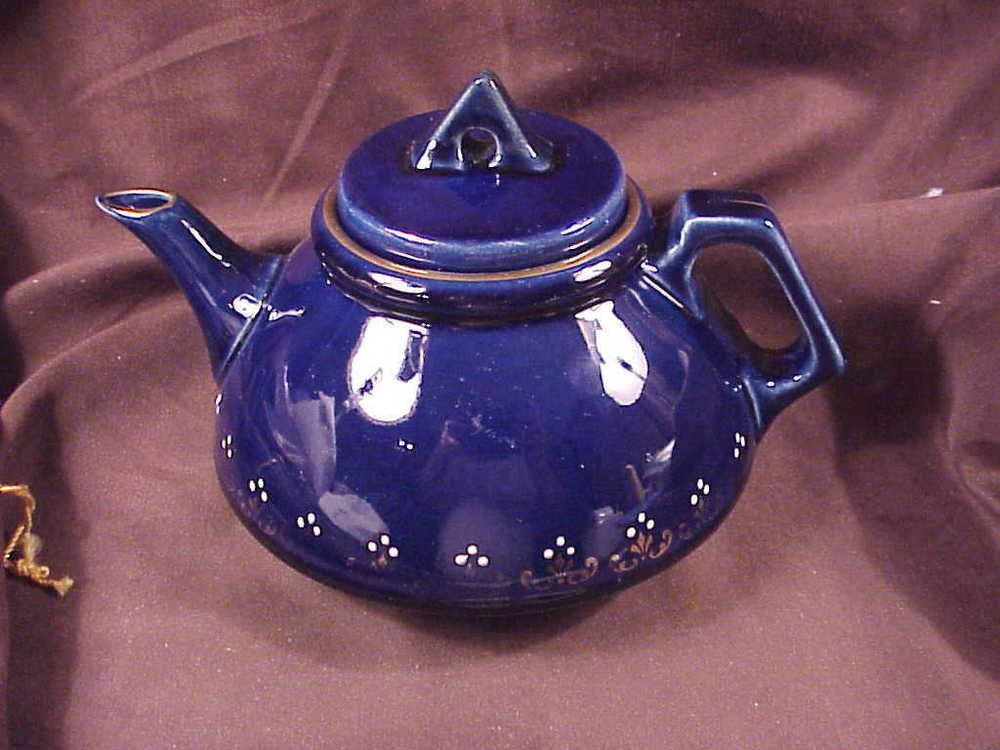 ROSEVILLE SCARCE EARLY BLUE TEAPOT, GOLD TRIM WITH WHITE DOTS, EXCEL COND, c1915