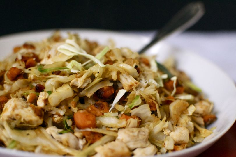 Cabbage with sweet potatoes and roasted chicken