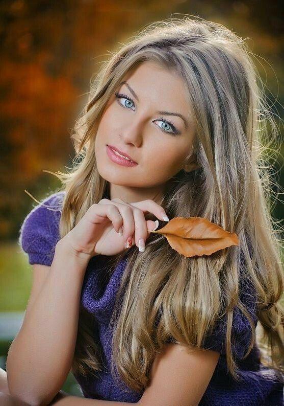 Картинка очень привлекательной девушки