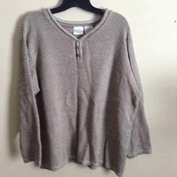 Tan Sweater Tan sweater 100% acrylic Bobbie Brooks Sweaters