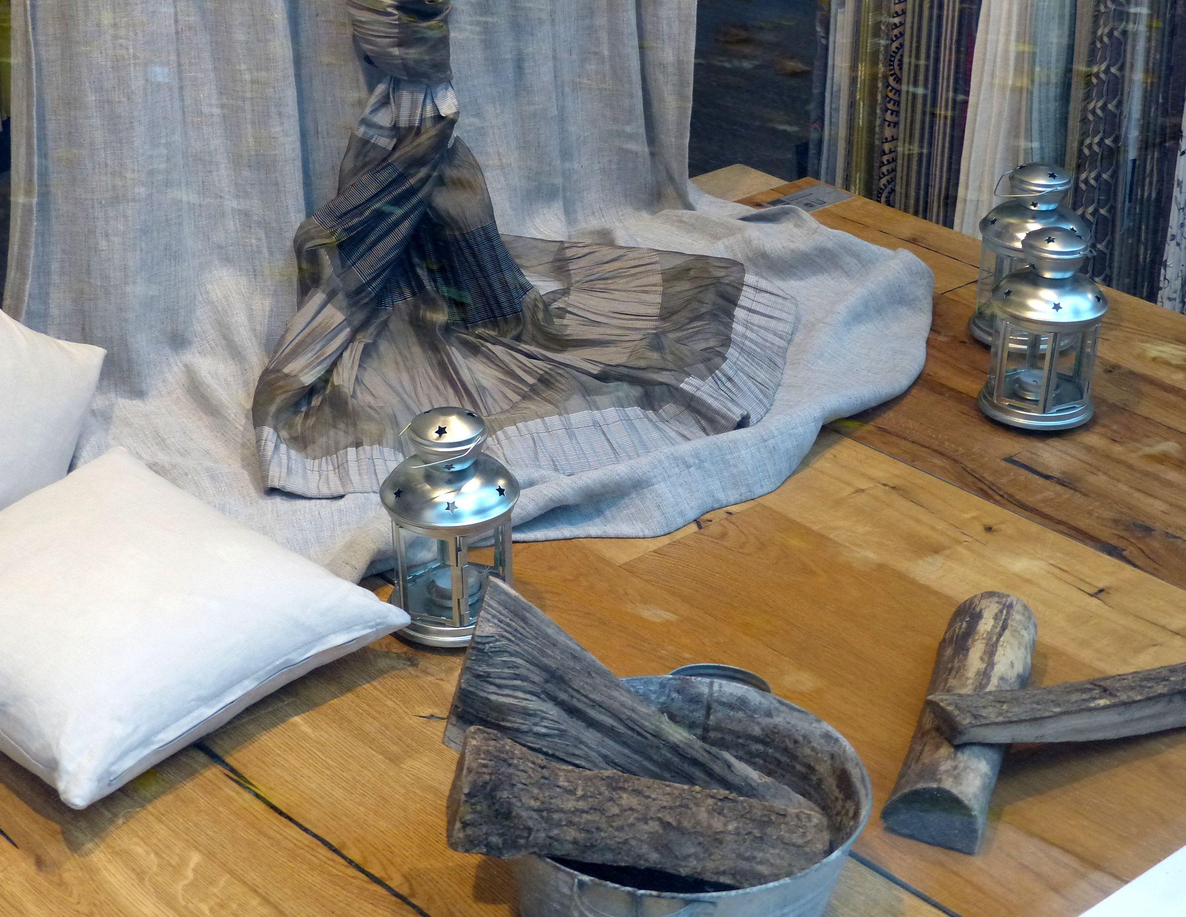#Winter #Schaufenster Mit #Leinen Und #Baumwolle #Stoffe #Dekostoff # Dekoration