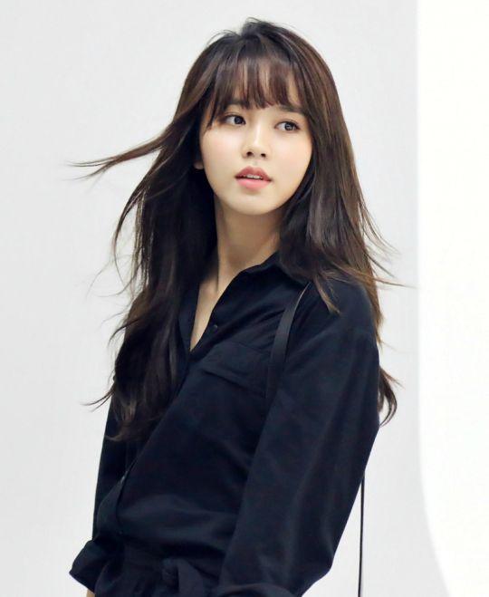 Znalezione obrazy dla zapytania Kim So Hyun black hair