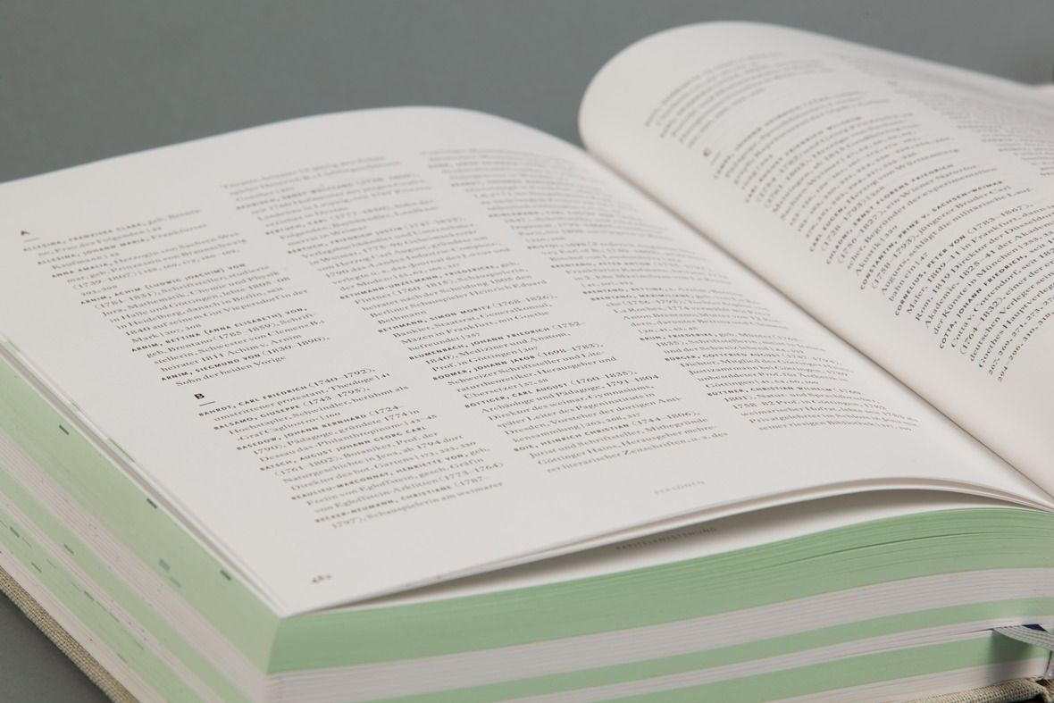 Diese Arbeit beschäftigt sich mit der parallelen Lektüre von Goethes Leben und der 60 Jahre andauernden Entstehungsgeschichte seines Fausts. Gemeinsam mit dem Schreibenden ist das Werk in einer Zeit der Umbrüche, Revolutionen und Technisierung gereift und herangewachsen. Einige Vorveröffentlichungen und literarische Fundstücke lassen den Leser bis heute – 180 Jahre nach Goethes Tod – einblicken [...]