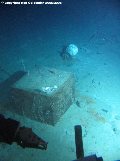 A safe found in Titanic's debris field...   Titanic ...