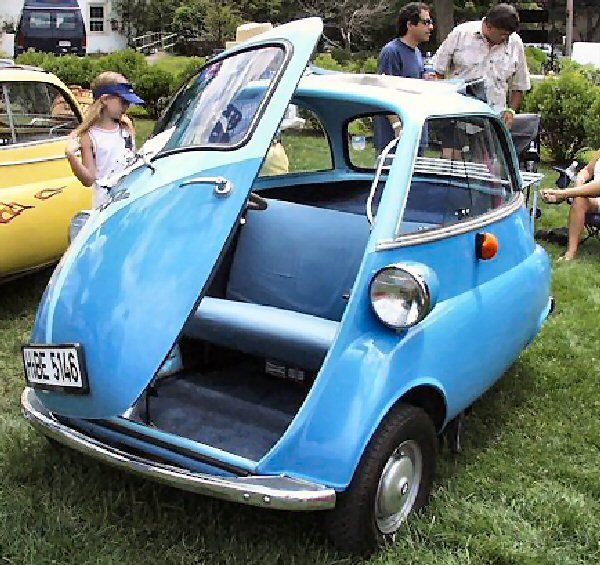 Small Car Doors : The bmw isetta was designed by a refrigerator company