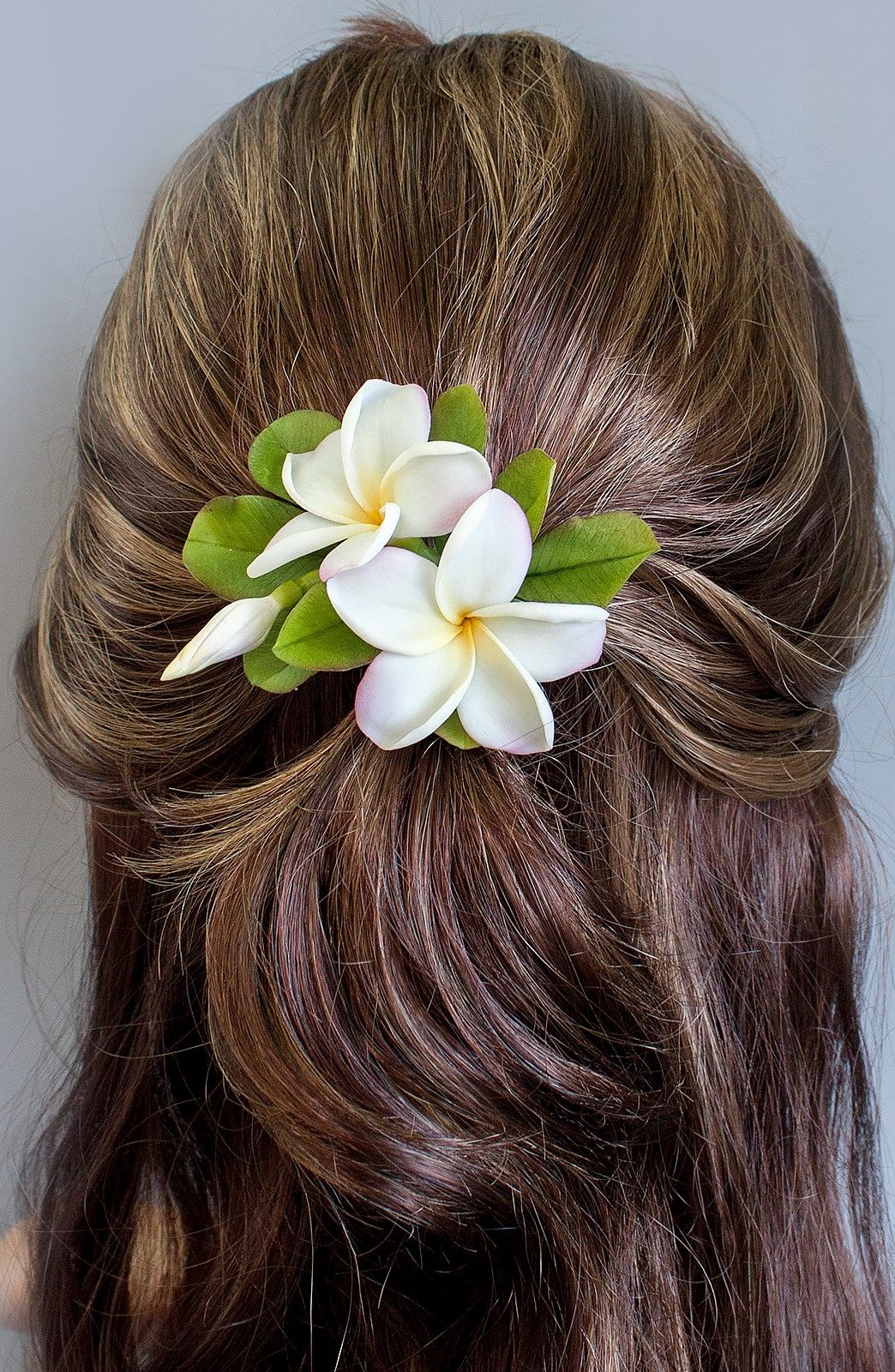 Hair Clip Plumeria Realistic Hawaiian Flower Bridal Hair Etsy In 2020 Floral Accessories Hair Flowers In Hair Flower Hair Pin