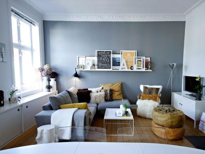 salones con encanto, salón con comedor, sofá azul en forma de L con