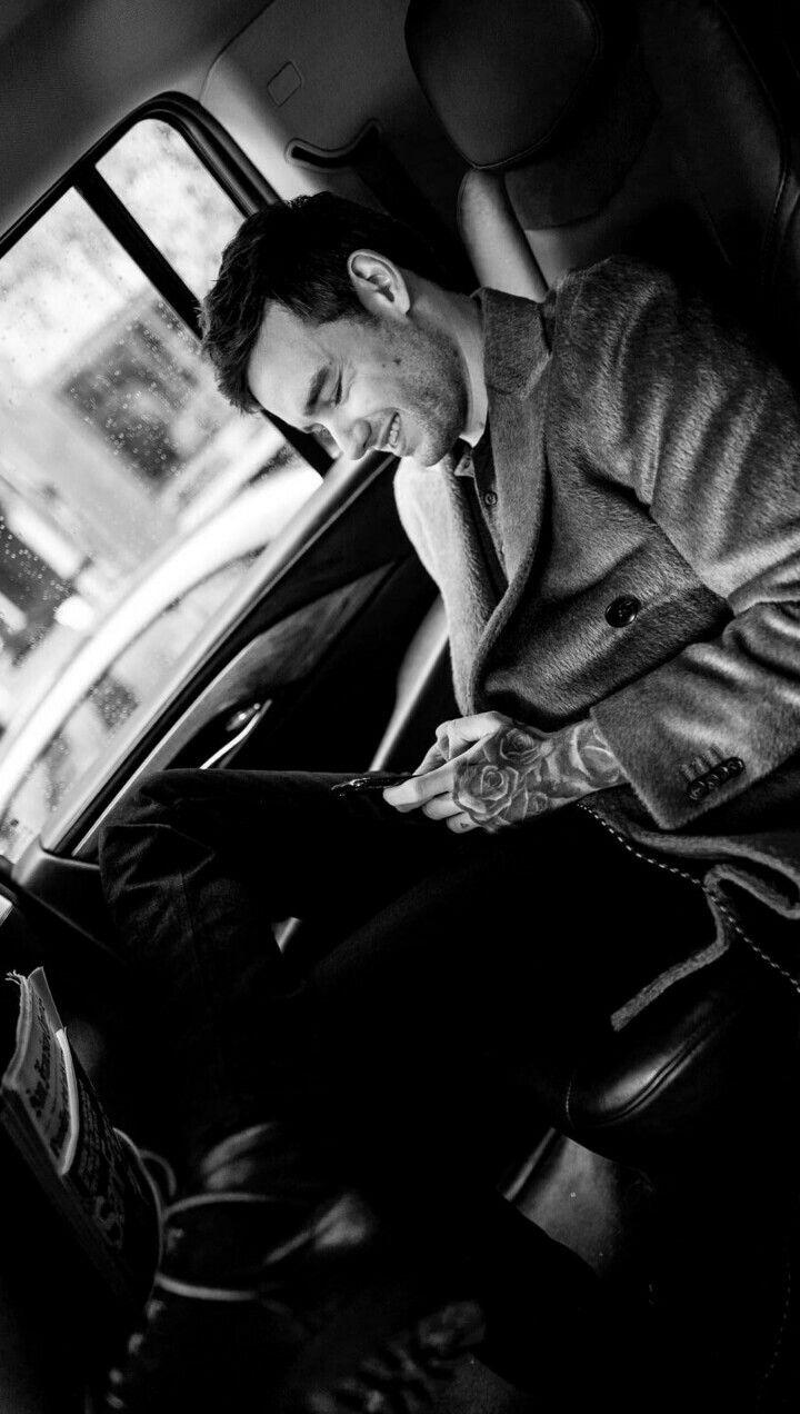 AWWW LOOK AT HIM 😭 ️ Amor da minha vida, Liam payne, Zayn