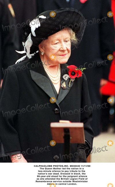 ALPHAGLOBE PHOTOS,INC. M038440 11/11/99 The Queen Mother led the nation in a two-minute silence to pay tribute to the nation's war dead. Dressed in black, the 99-year-old stood for the poignant silence as she attended the British Legion Field of Remembrance service outside Westminister Abbey in central London.