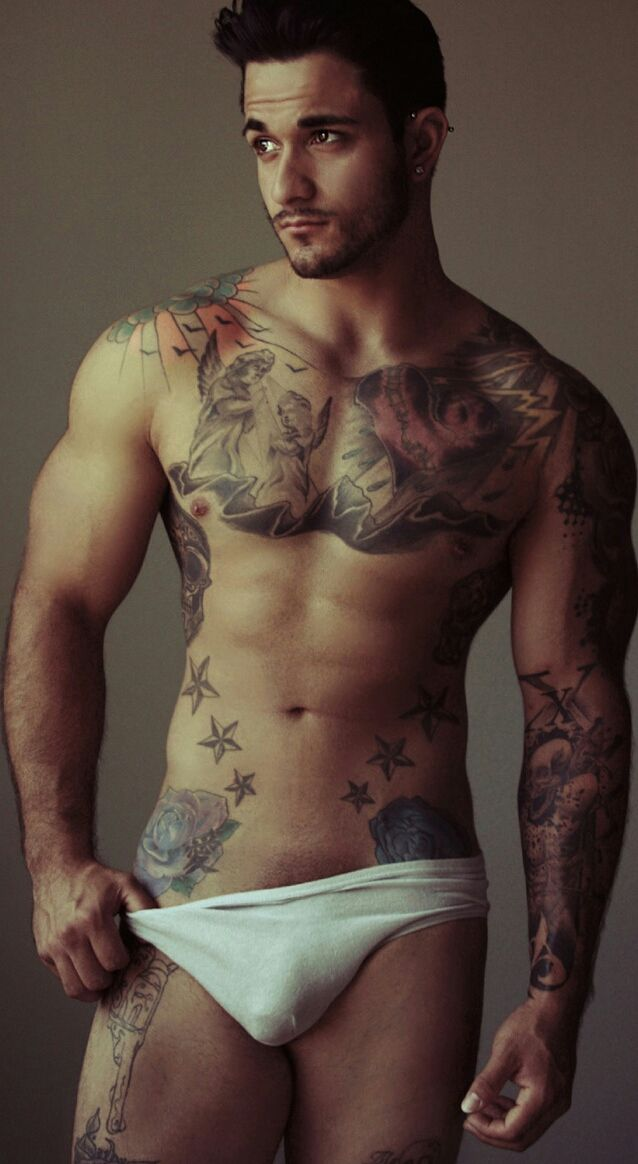 Sexy Nude Tattooed Guy With Erection