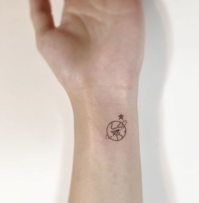 30 super cute and minimalist tattoos by playground tattoo for Art minimal tattoo