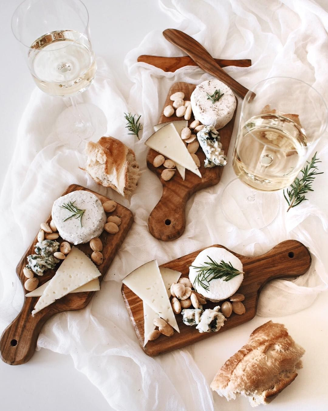 Individual Cheese Boards For Those Of Us That Are Bad At Sharing Regram Via Afabulousfete Food Platters Cheese Party Charcuterie And Cheese Board