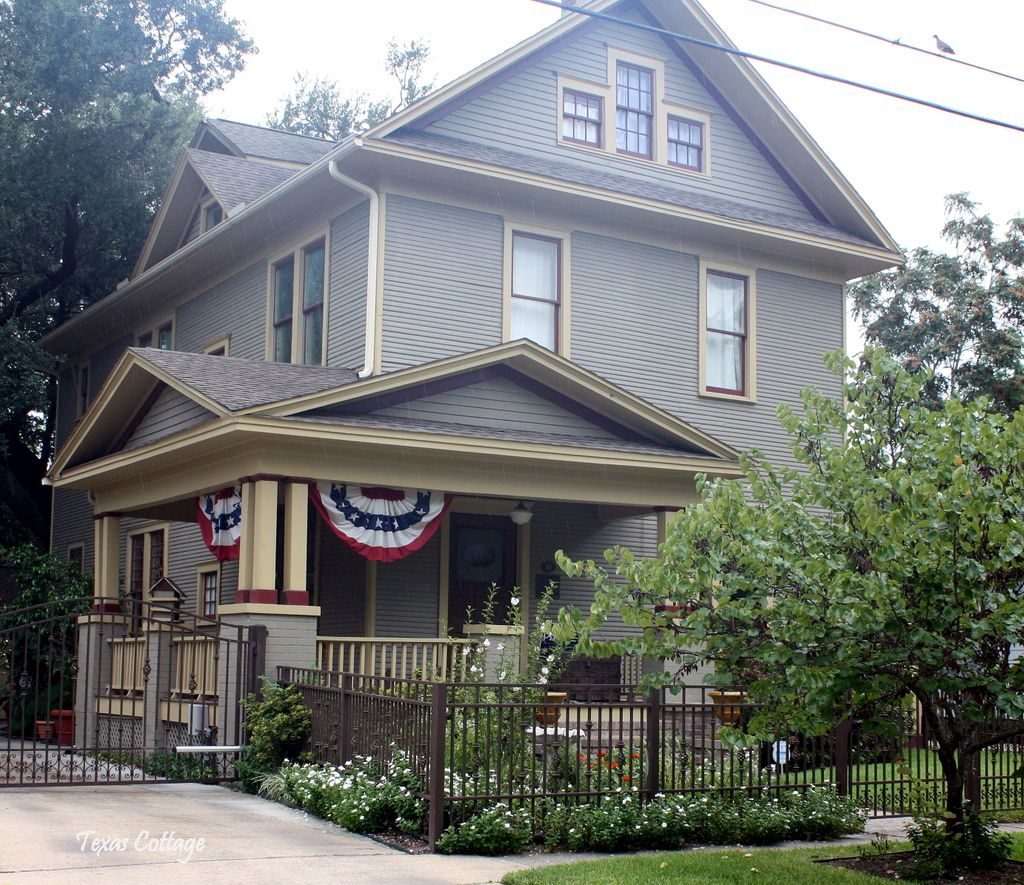 Temple Texas Traditional Home: Texas Cottage: Homes Of Texas: Houston
