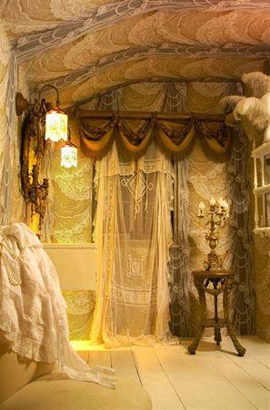 Interesting drape designs. Feels fantasy and antique.