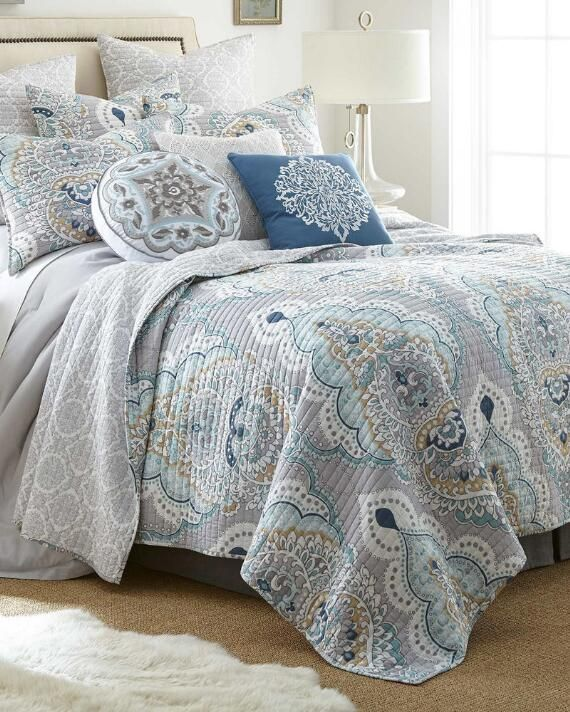 Livorno Medallion Luxury Quilt