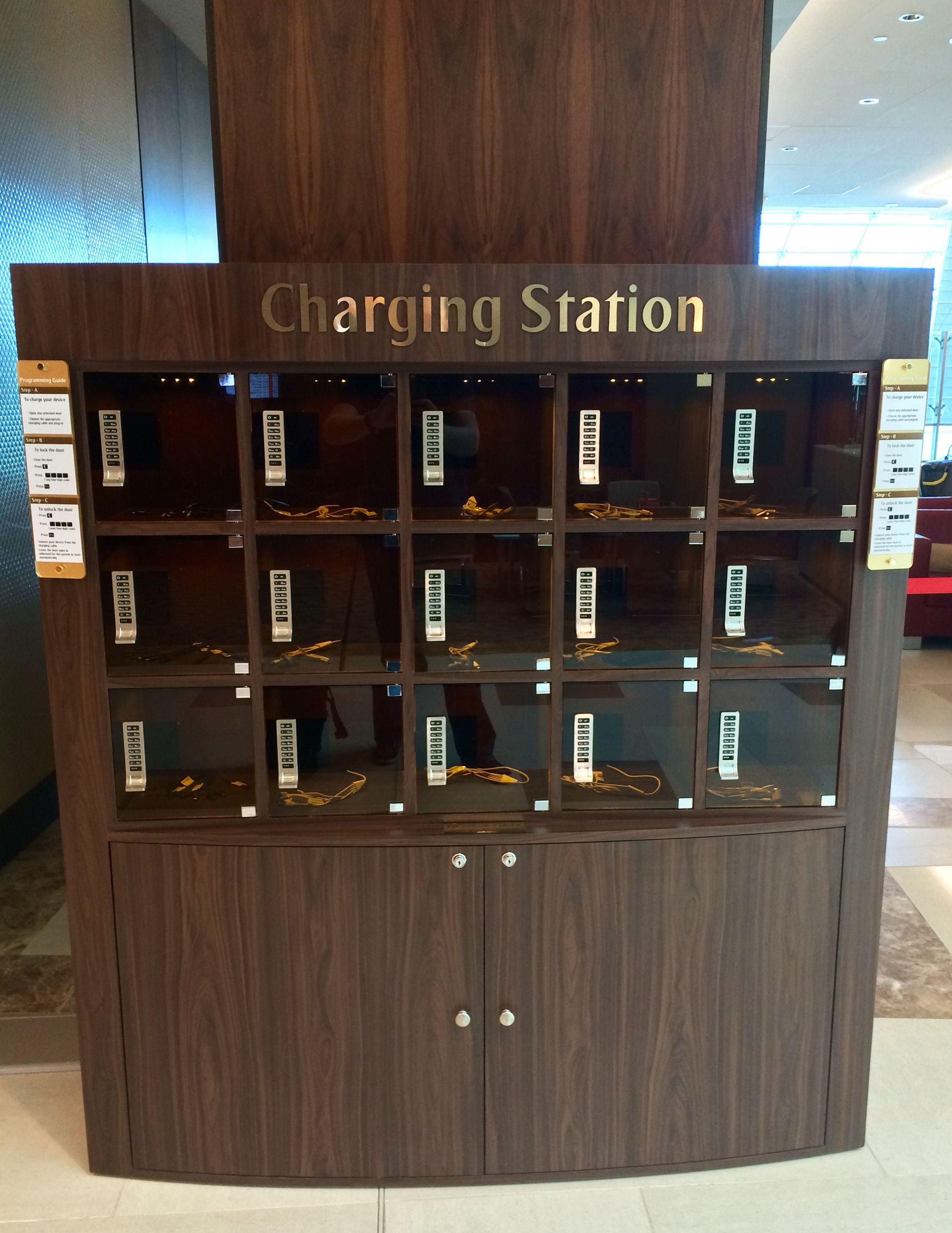 Charging Lockers Are The Best Solution For Charging Your  # Muebles Taquillas