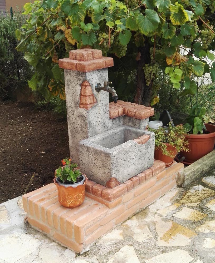 Fontana da giardino modello fonte del casale, colore