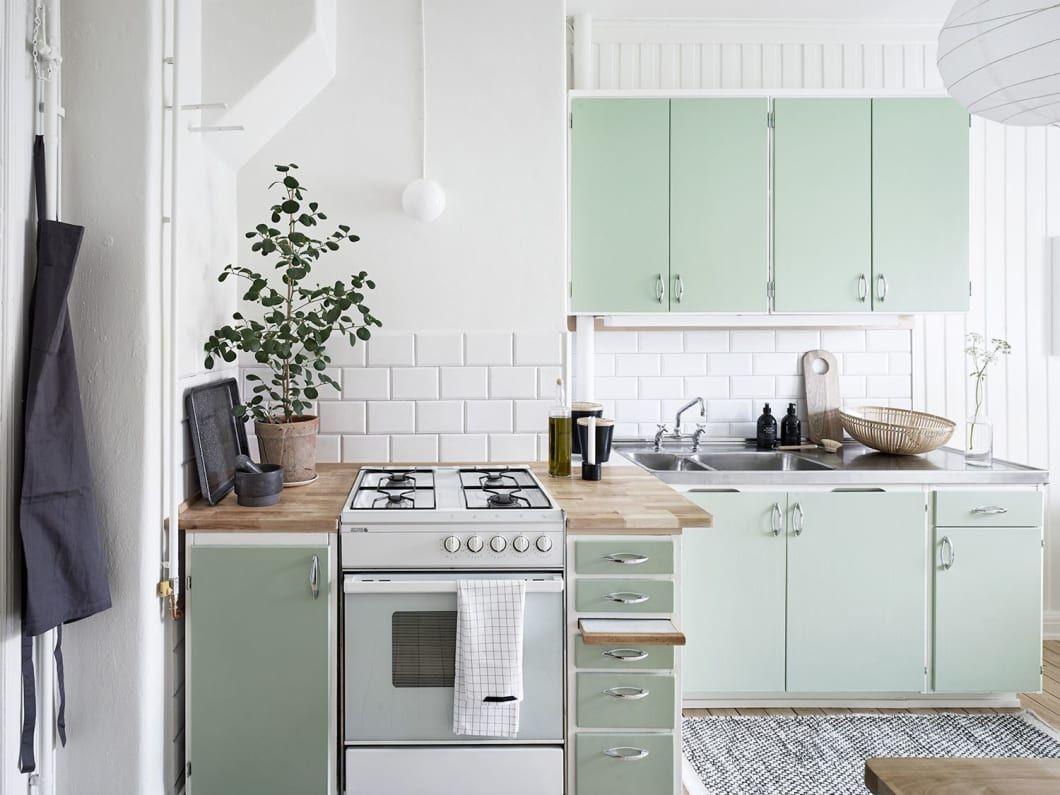 11 Kitchen Cabinets With Paint Jobs We Love In 2020 Home Kitchens Kitchen Interior Mint Kitchen