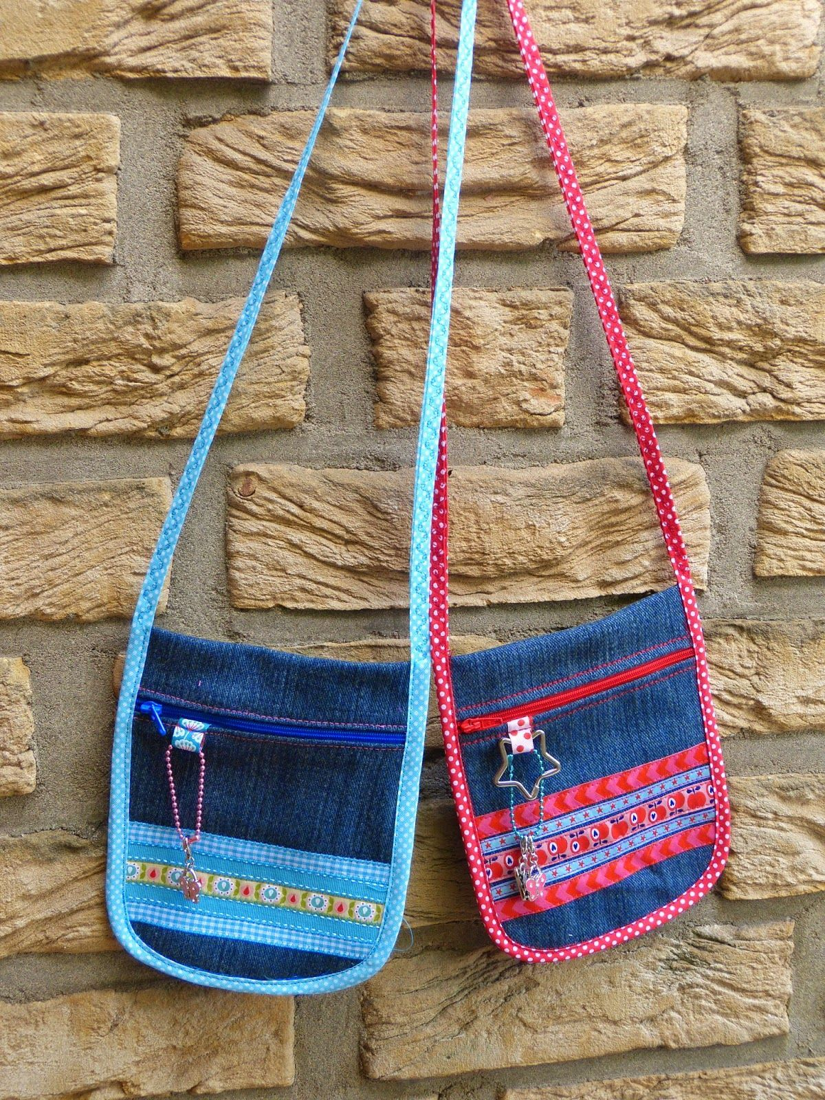 Brustbeutel aus alter Jeans  Neck pouches made from old pair of jeans  Upcycling Finesse des weiteren Handwerk Was ist Kunsthandwerk In dem Allgemeinen bezieht zigeunern...