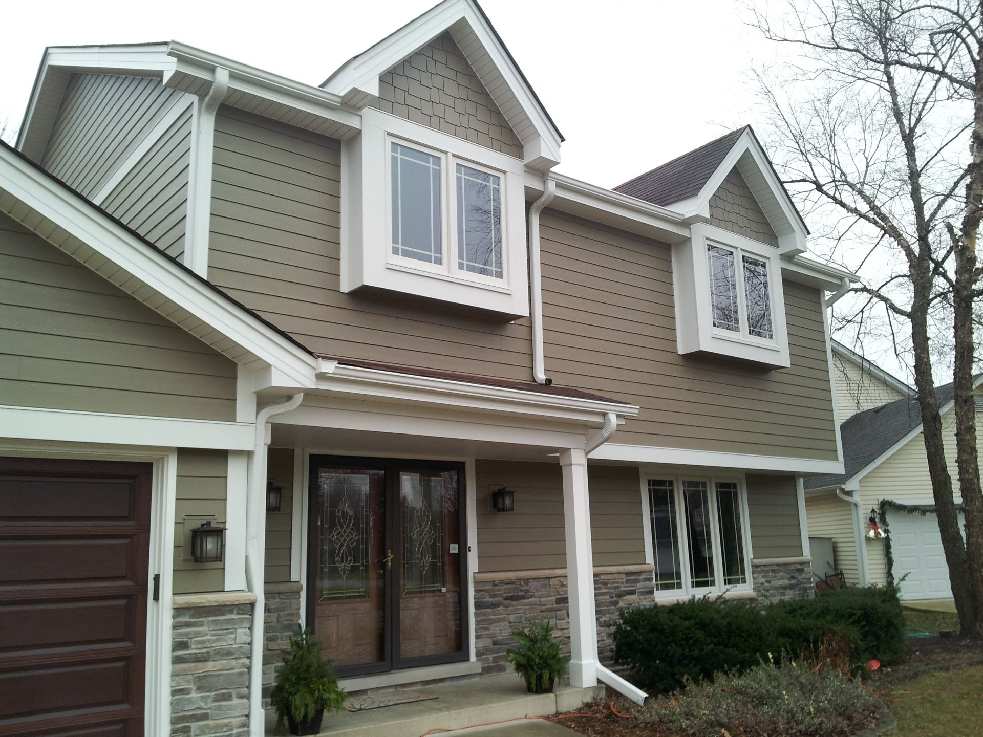 Hardieplank hardieshingle siding woodstock brown for Hardiplank home designs
