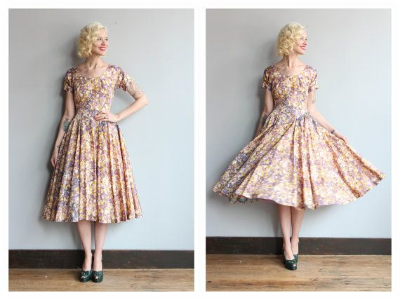 1950s Dress // Floral Dale Lynn Dress // by dethrosevintage