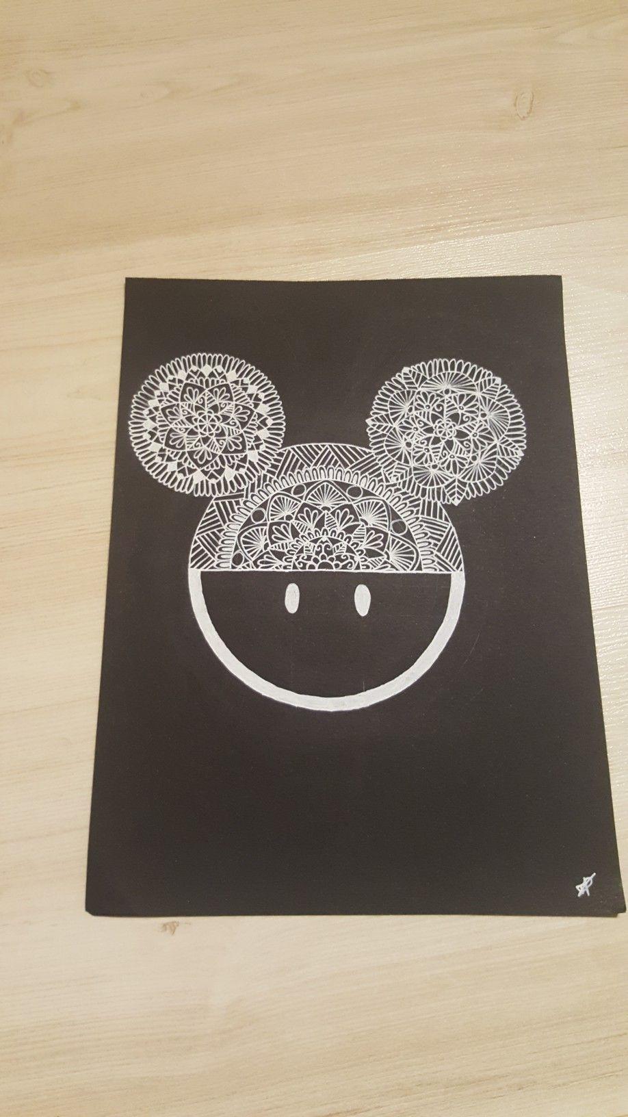 Dessin de tête de Mickey en mandala  Dessin tete, Dessin, Tete de