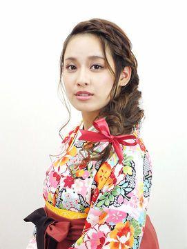 袴の髪型 卒業式に可愛いヘアスタイル ロング ミディアム ショート Naver まとめ Traditional Outfits Japanese Outfits Style