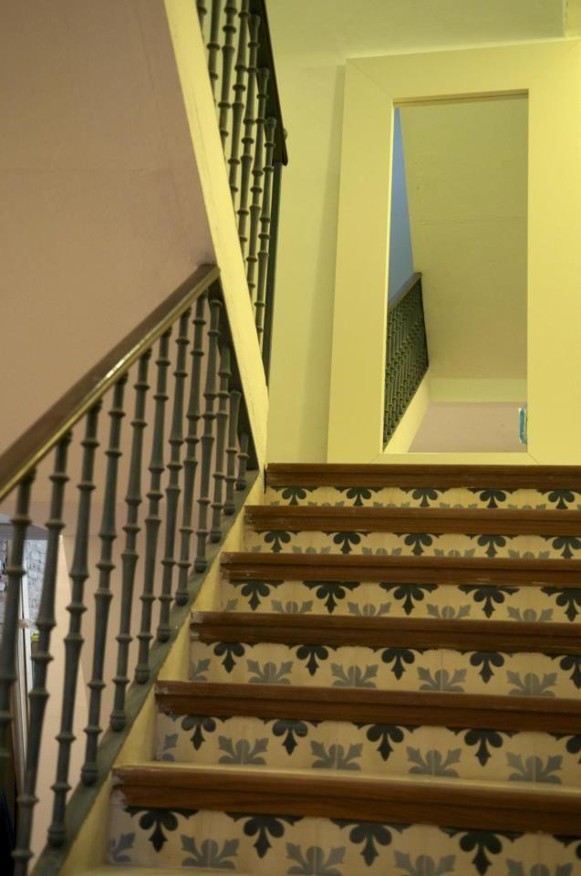 Pin De Suelos Hidráulicos Demosaica S En Escalera Stairs Sevilla Hoteles Hotel