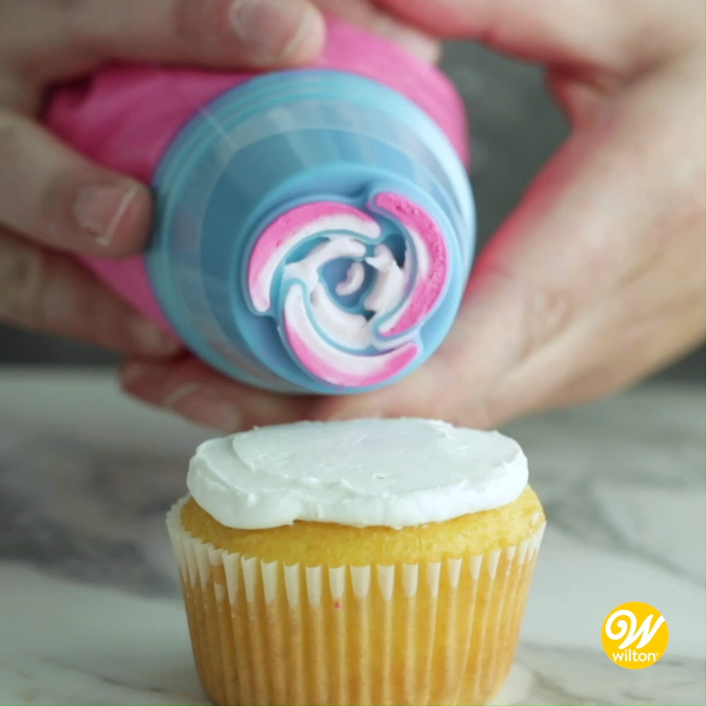 How to Use Wilton Easy Blooms Piping Tips Set