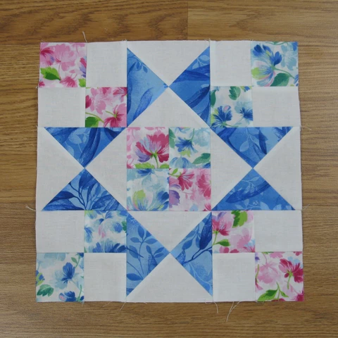 Easy Chained Star Quilt Block Pattern #starquiltblocks Easy Chained Star Quilt Block Pattern – fabric-406 #starquiltblocks