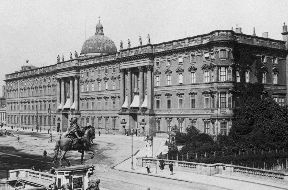 Das Berliner Stadtschloss Damals Und Heute Berliner Schloss Stadtschloss Bilder