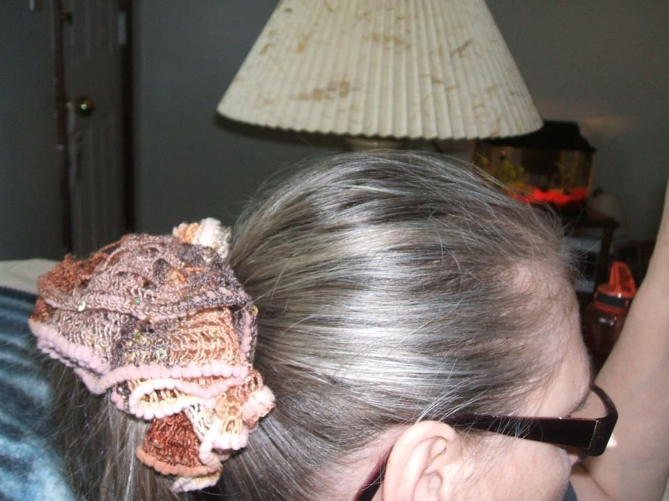 Hair Scrunchie with Sashay Yarn | Shashay yarn(Thread) creations ...