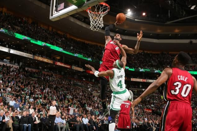 Lebronweb20s 1 Web Jpg 635 423 Pixels Lebron James Dunking Lebron James Miami Heat Lebron James