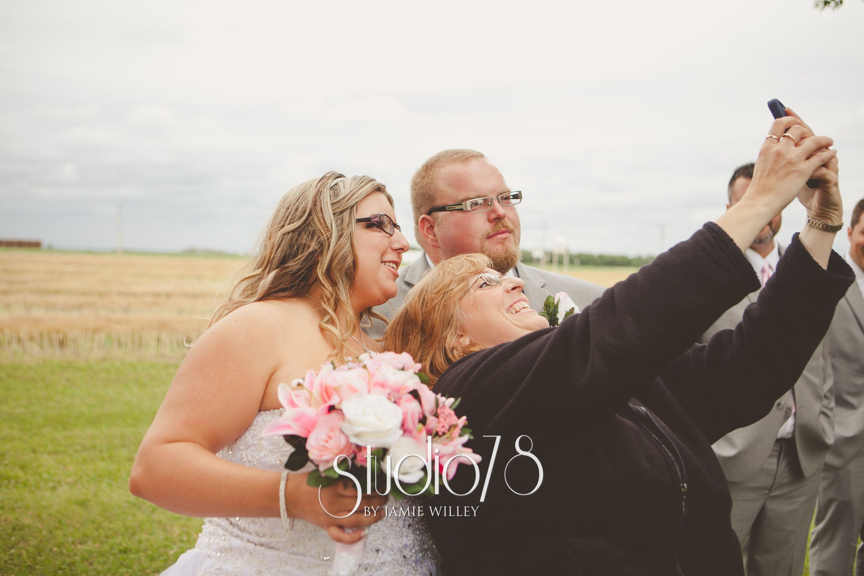Wedding selfie summer wedding by studio weddings by