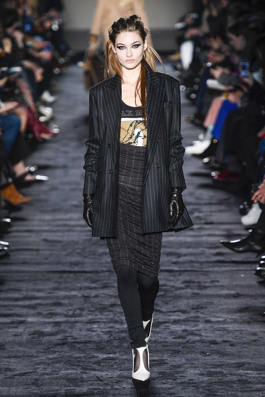 f3f1fb3e4c Max Mara Fall 2018 Ready-to-Wear Fashion Show