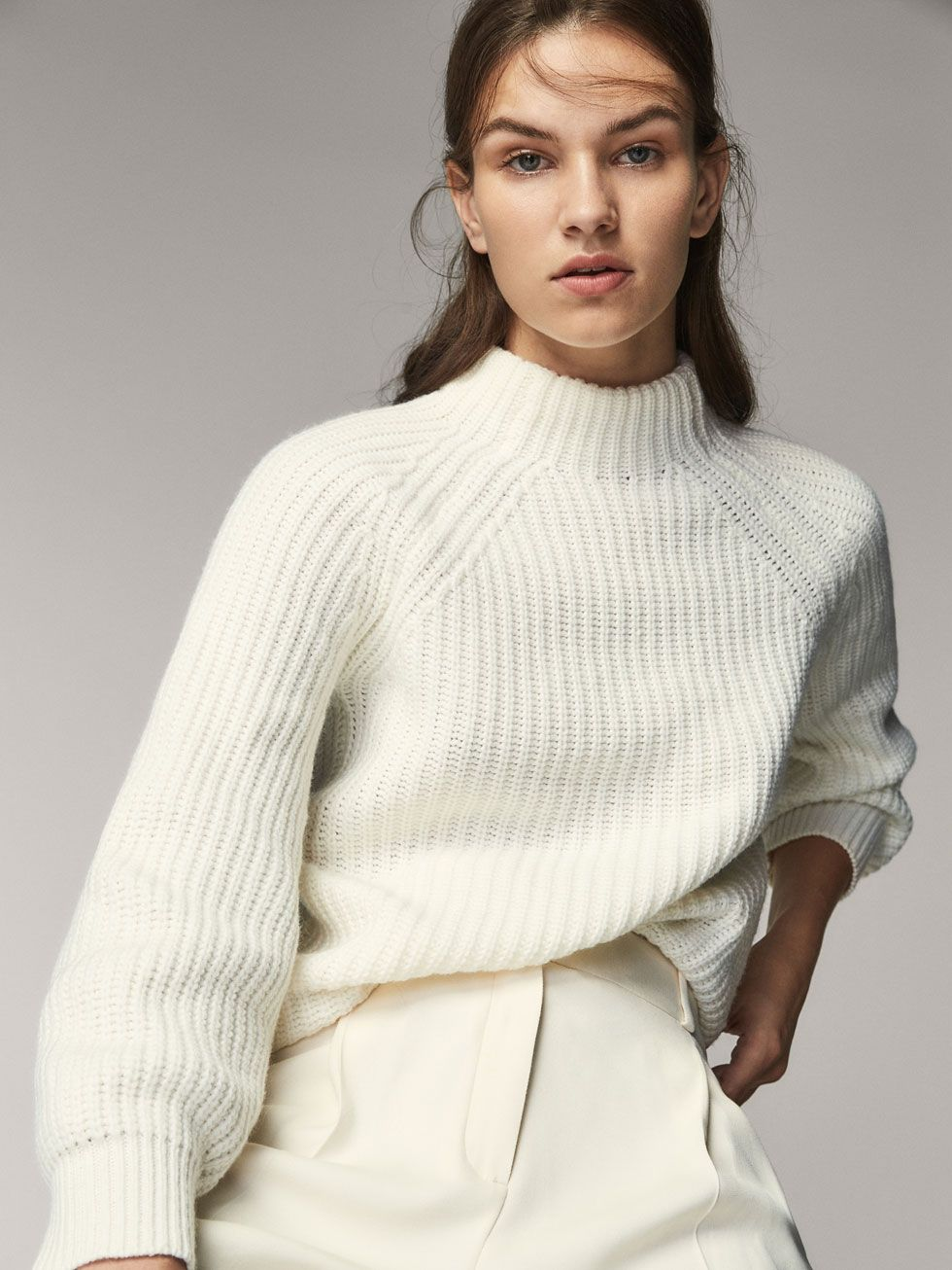 Fall Winter 2017 Women´s WOOLCASHMERE SWEATER WITH BALLOON