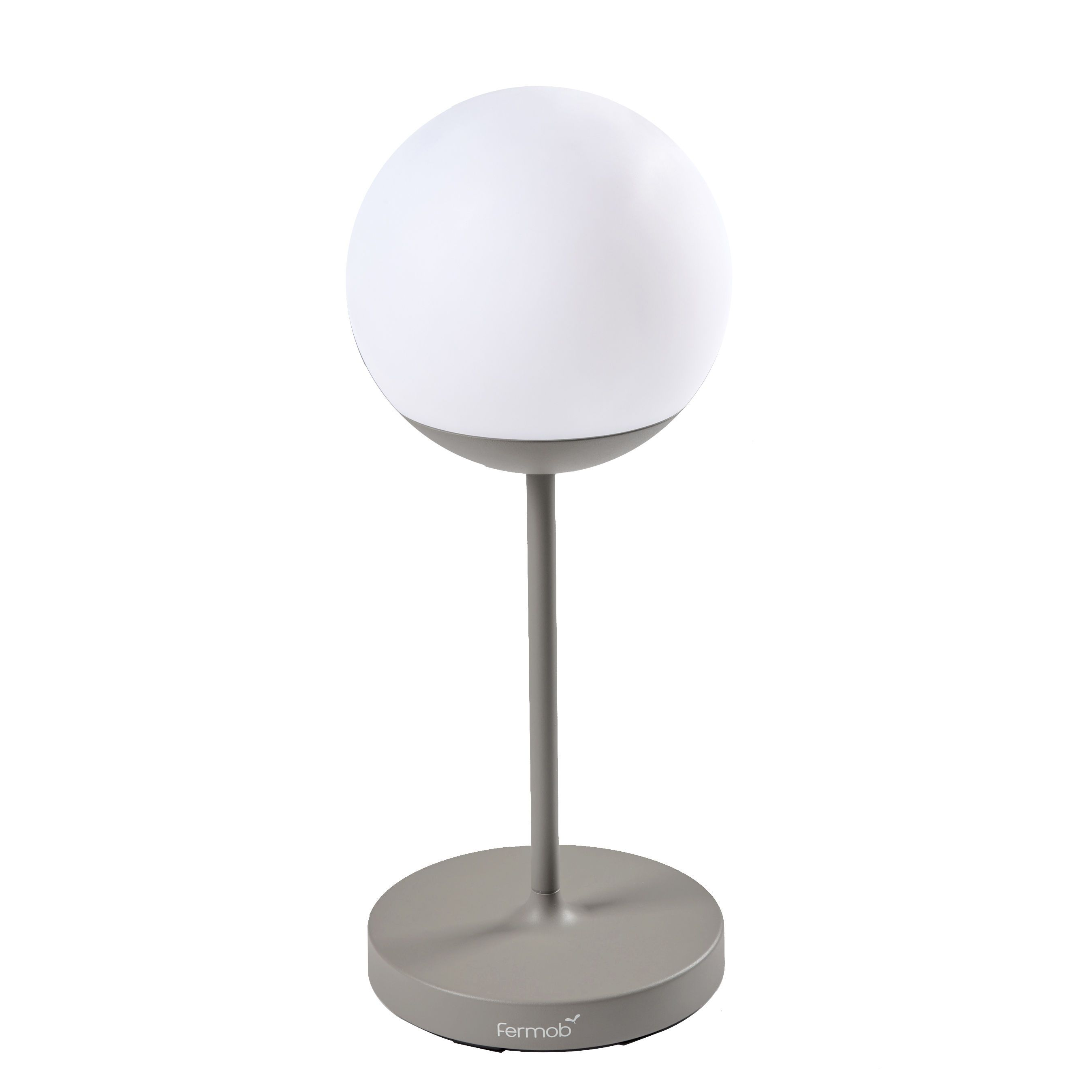 Mooon Led Lampe Ohne Kabel Mooon Von Fermob Beige Made In Design In 2020 Lampe Strassenlaterne Led Lampe