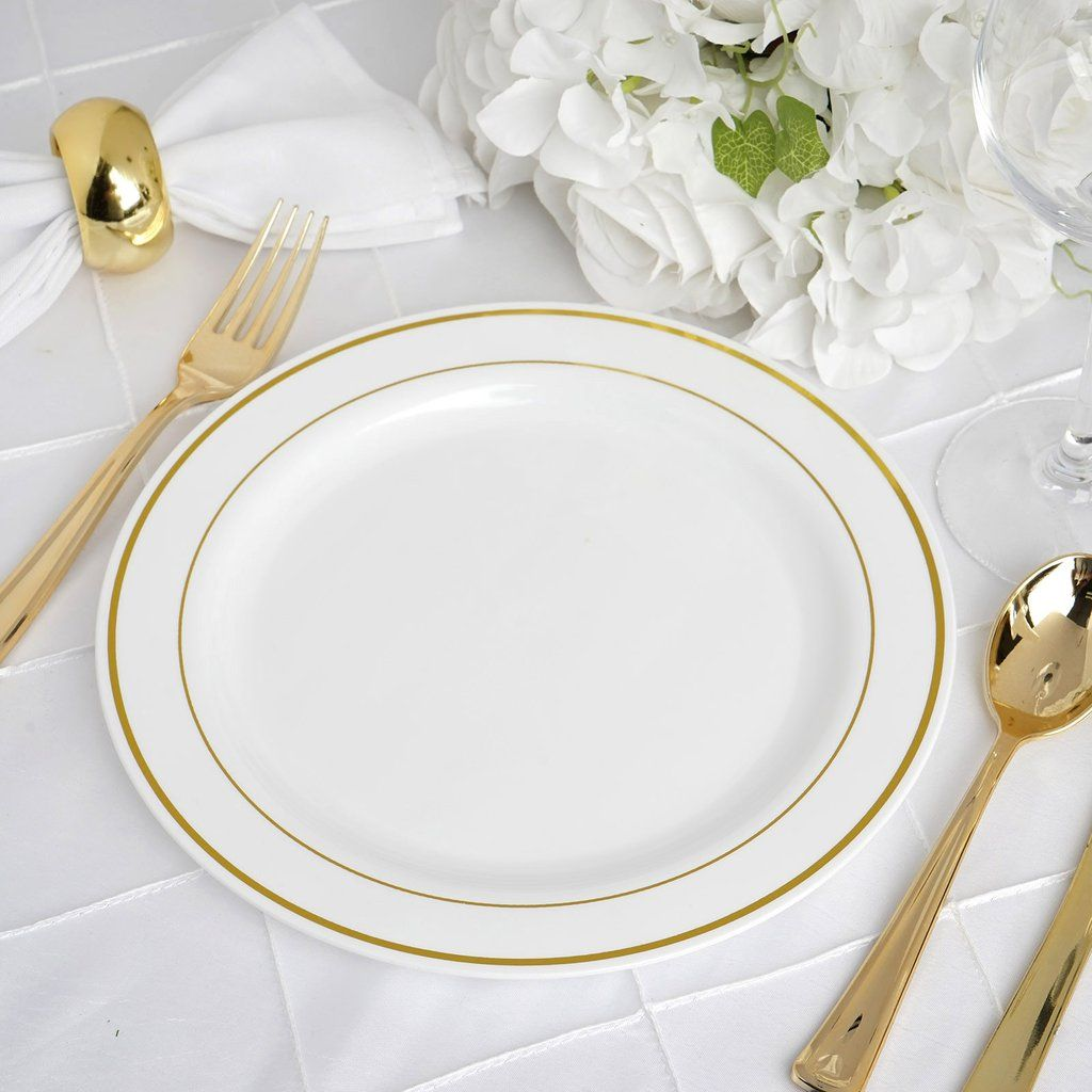 10 Pack 9 White Round Disposable Plastic Dinner Plates With Gold Rim In 2020 Plastic Dinnerware Clear Plastic Plates Dinner Plates