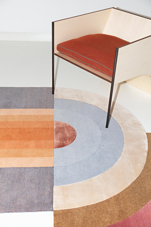 The Stunning New Cc Carpet Campaign At Villa Panza Huskdesignblog En 2020 Tapis De Luxe Tapis Moderne Tapis Contemporain